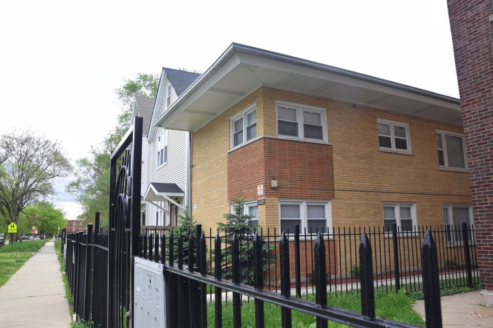 (Jaucinta Echols lives in a two-bedroom apartment with her husband in a four-unit apartment on S. Langley Ave. (Yingxu Jane Hao/SJNN)
